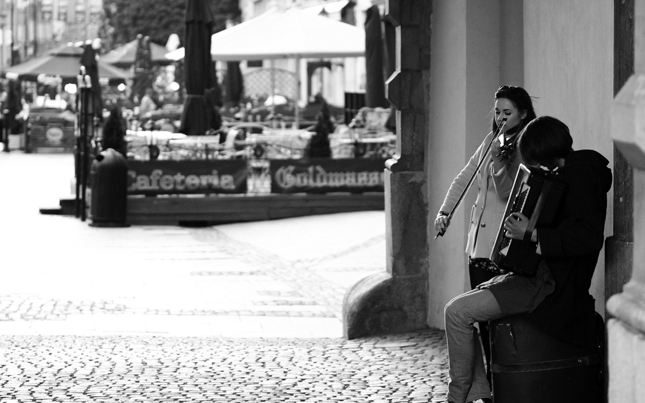 Music through the streets, Gdansk // May 2012
