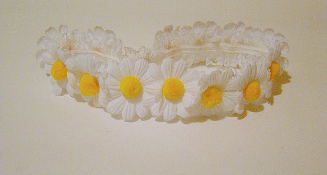 stretchy lace daisy headband available on our etsy <3 https://www.etsy.com/listing/100644853/lace-daisy-headband-edc