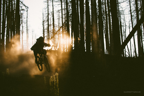 garrettgrove:  Ben Ketler goes for a sunset ride on a trail nearby Hood River, Oregon