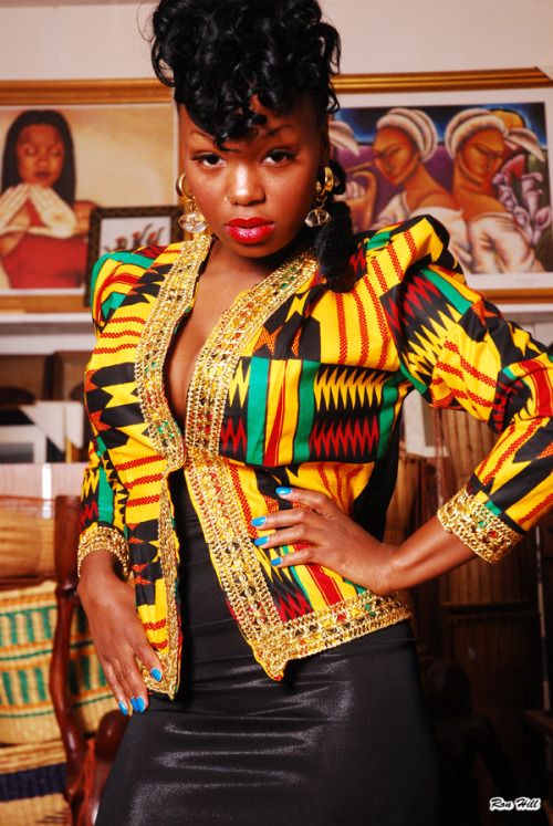 blackfashion:  YOUNG NUBIAN QUEEN LOVE MY EBONY SKIN AND MY FULL AFRICAN FEATURES EMBRACE MY BLACK BEAUTY…BILLIE