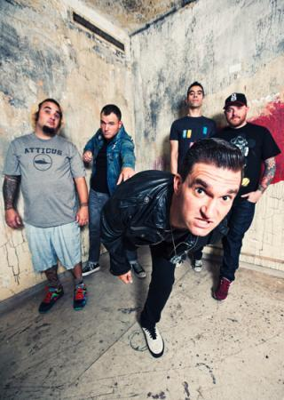 "I am listening to New Found Glory                   ""hit or miss is just allowing me to reminisce about the old freshman year  ""                                Check-in to               New Found Glory on GetGlue.com"