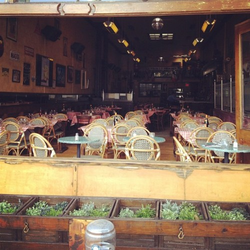 I have never seen Bistro du Coin empty! (Taken with instagram)