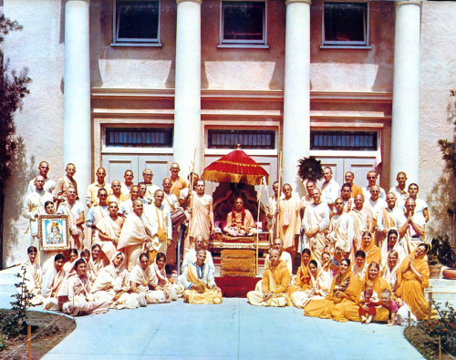 Old picture of Srila Prabhupada at New Dwarka, Los Angeles. The Prabhupada Festival at New Dwarka is this weekend! http://www.prabhupadafestival.com