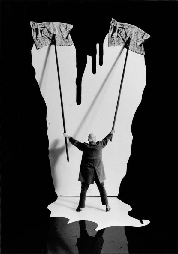 headless-horse:  Gilbert Garcin