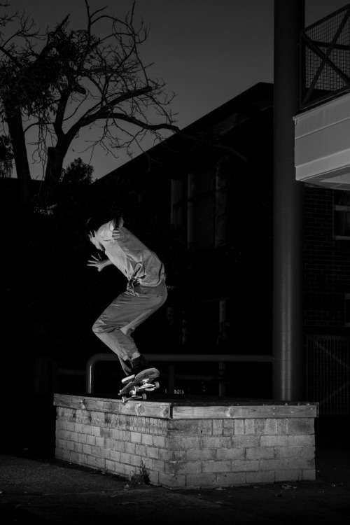 cameronmarkin:  Oliver West - Backside Nosegrind