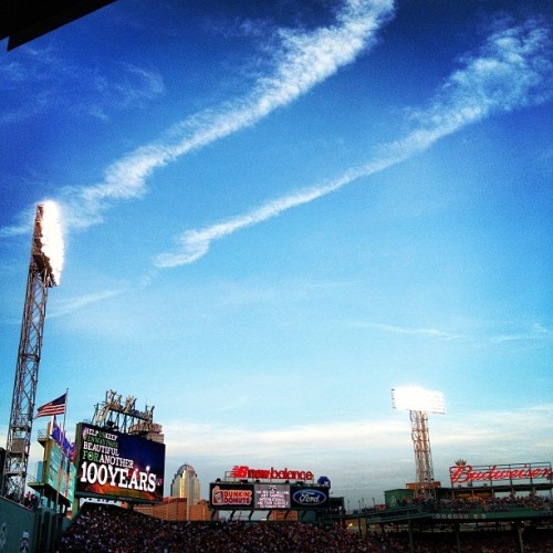 #instagram #iheartboston #igersboston #boston #fenway #fenwaypark #bostonredsox #redsox #greenmonster #green (Taken with instagram)