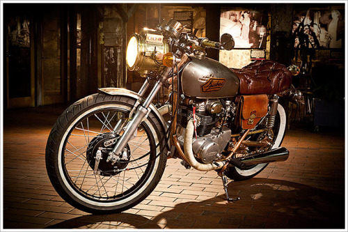 Beautiful! wheelike:  '73 Honda CB250 - 'Isabel'