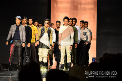 #philippineFashionWeek  May 24, 2011 SMC, 7:30PM -It was my first time to be there and be with high fashionable people. It was my privilege to witness this big event. Big thanks to Sir Simon Vasquez, a famous designers in our country who gave me the Invitation. See you again Sir Simon next year on the runway. And congratulations for a fabulous collections. #itsAwrap xoxo