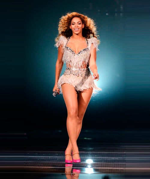 visualindecency:  beyonce making her return tonight at Revel.