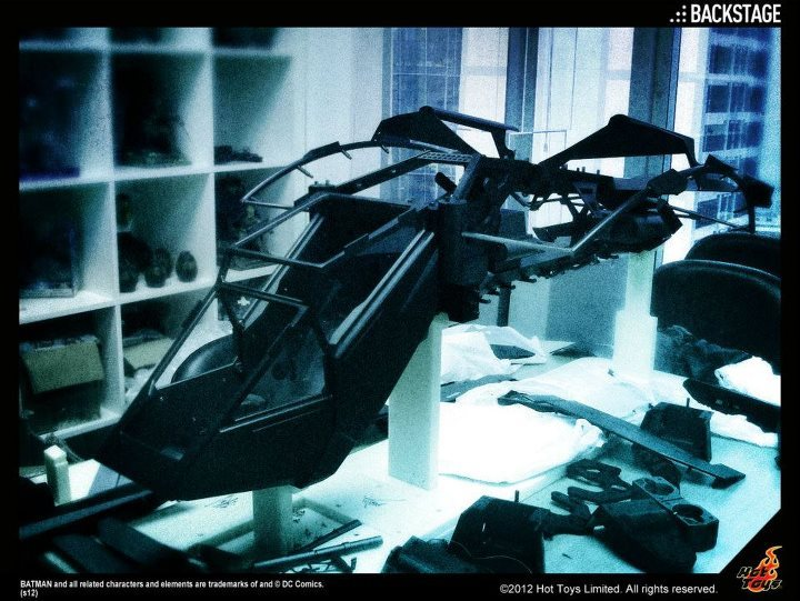 [TEASER] The Dark Knight Rises: The Bat Replica - Hot Toys