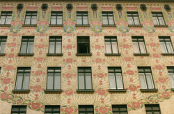 Majolika Haus, Vienna [arch. Otto Wagner] The delicate appliqué of the Secession onto old Vienna.