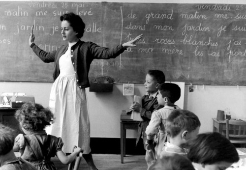 … A Good Night - Good Day post…     Robert Doisneau, La Libellule, École de la rue de Verneuil, Paris, 25 mai 1956