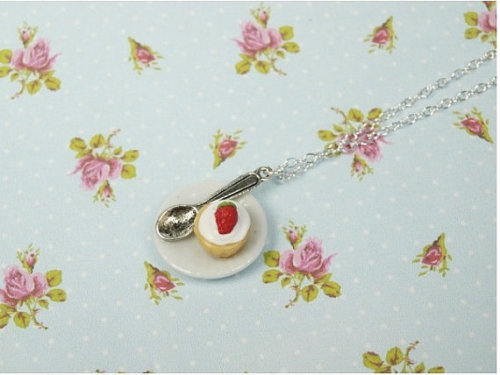 Strawberry cake Short necklace by Bohemismo.