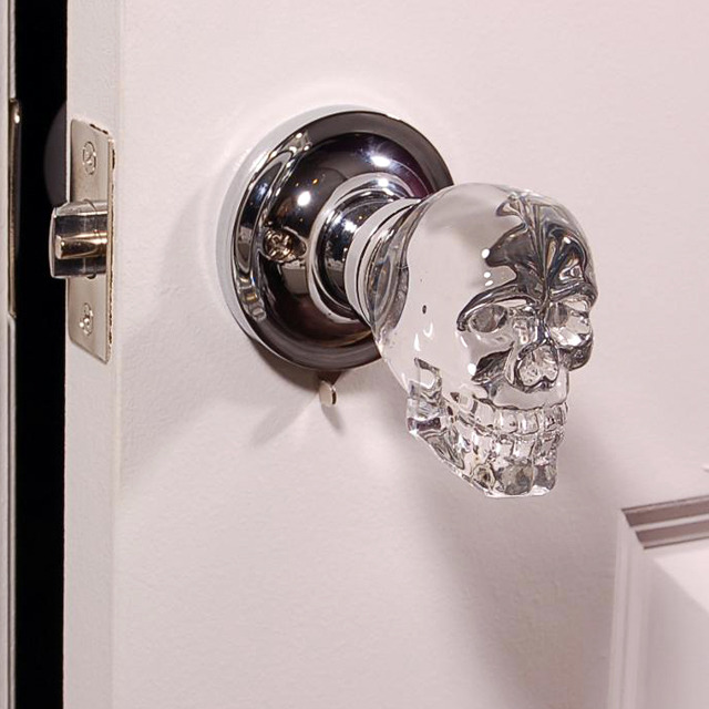 dailymovement:  Skull Crystal LED Door Knob
