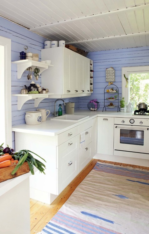 methodistcoloringbook:  boogerbrains:  petitevanou:    I want my own kitchen more than my own bedroom. Seriously.  lyd this is not surprising  I think approximately noone is surprised by that.