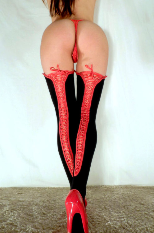 dentellenoire:  Stockings -
