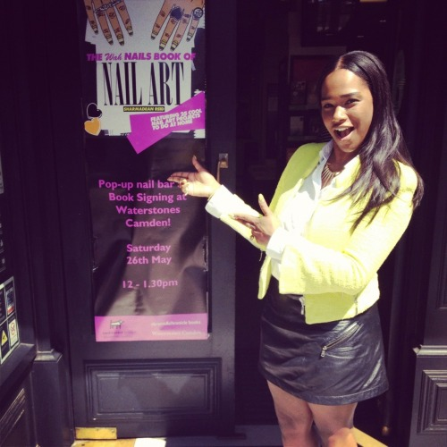 Shar at her pop-up nail bar at Waterstones over the weekend.
