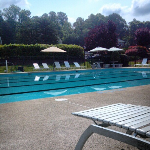 thatstheday:  S-O-L-O!! Only ones at the pool?? Okay! (Taken with instagram)