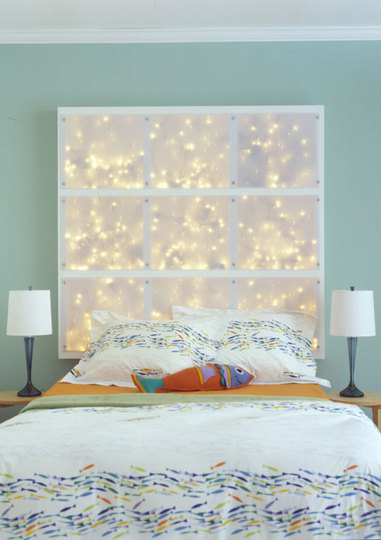 (via String Lights In The Bedroom | Apartment Therapy)