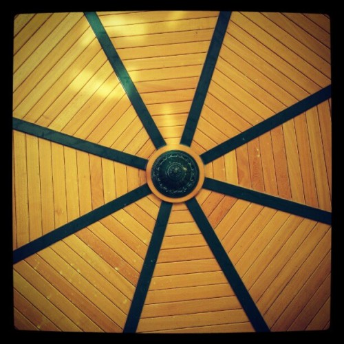 Looking up #gazebo (Taken with Instagram at Parque De Los Proceres)