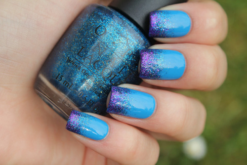 Blue and purple glitter gradient on Flickr. Eurovision song contest tonight! I hope Sweden wins. I love that song!www.coewlesspolish.wordpress.com