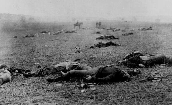 Union soldiers on the Battlefield at Gettysburg