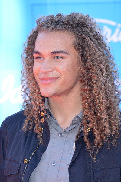 Team DeAndre Brackensick Saturday Metapost: Photos, videos and GIFs from Idol Finale are archived HERE. The latest GIFs are amazing! Be sure to check out the Idol Live! Tour DreDreamer Roll Call.