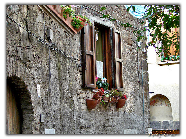 Casertavecchia (Italy) - Window by RayDS on Flickr.