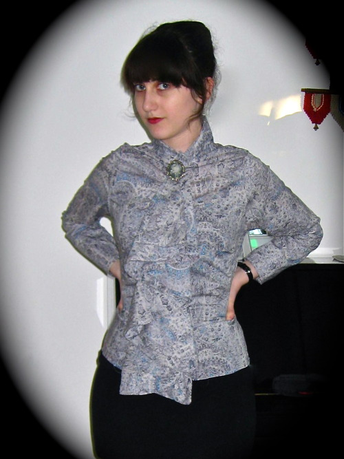 The paisley ruffle shirt is pretty much complete.