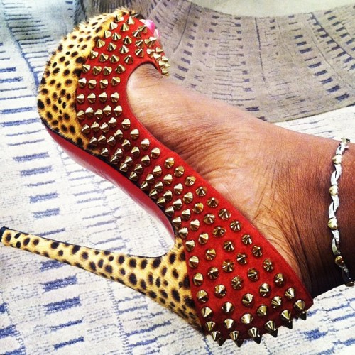 blessedbydee:  Shopping 😁 ….. #redbottom #louboutin  (Taken with instagram)