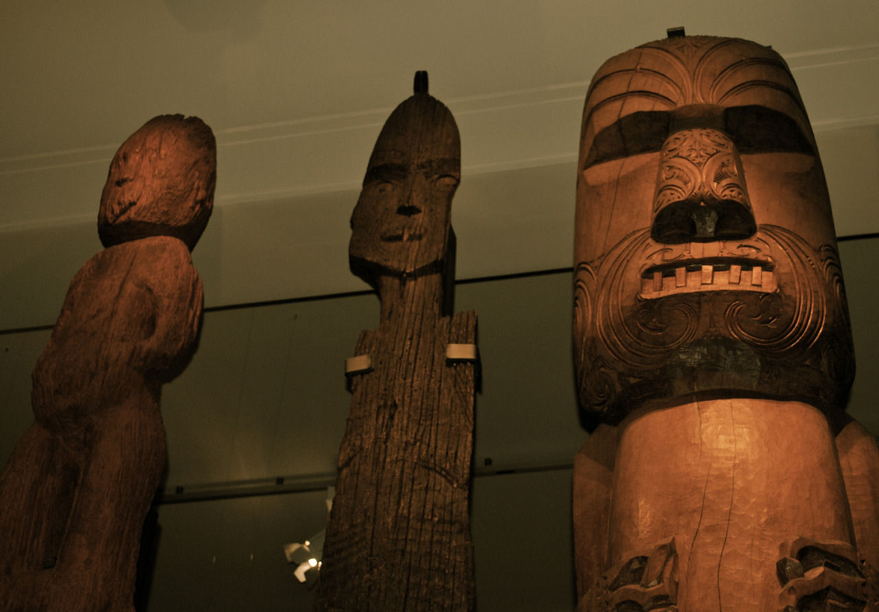 Taken at Auckland Museum: A trio of pau (carvings), 1500 CE Each represent 3 local Maori tribes: Ngati Whatua, Ngati Paoa, and Tainui