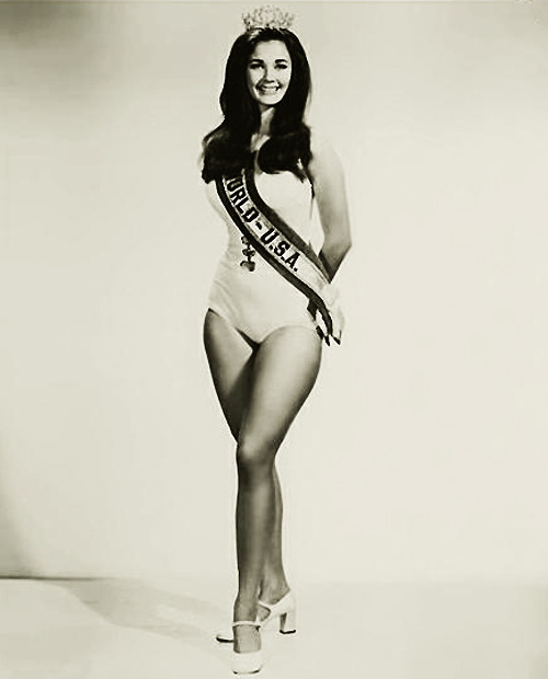 Official publicity photo of Lynda Carter, winner of the Miss World USA 1972-73 beauty pageant.