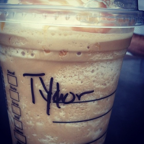 ¬¬ REALLY!? One more reason I don't like Starbucks ¬¬