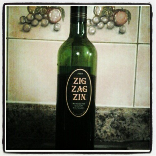 Shout out to my homegirl tara for picking up this zig zag zin for me when she was in mendocino county #cali! #wine #zinfadel #spicy #yummy (Taken with instagram)