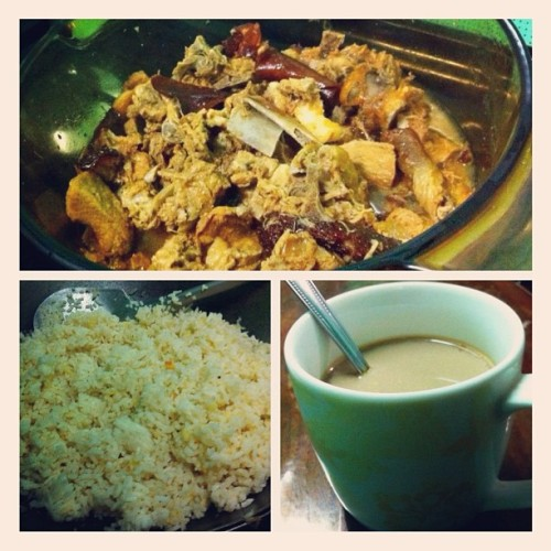 Paksiw Fried Rice Coffee For Brunch #dietmyass #audreyisms #igersph #instagramhub #iphoneography #photooftheday #bonapetit #iphonesia #iphoneonly #instadaily #instagood #instamood (Taken with instagram)