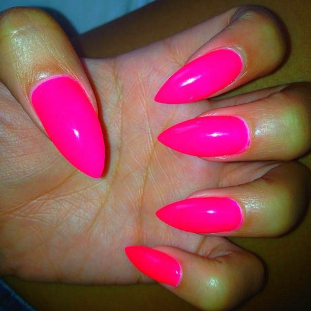 redlipstickdiaries:  I get them sharper every time 💅 and this #neon #nailcolor needs #nofilter, love! #daggernails #stilettonails #pointynails #nails #hotpink #fashion (Taken with instagram)