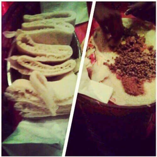 warai-otoko:  zen1th:  #Injera #habesha #Ethiopian #fois BESMAAAAM (Taken with Instagram at Addis Red Sea)  this stuff is the ishhhhh
