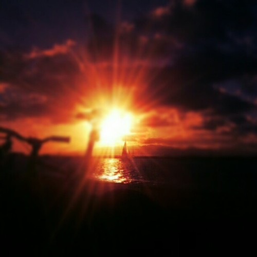 Fiyah! #sunset #hawaii #sandisland #hiig #instagramhi  (Taken with instagram)