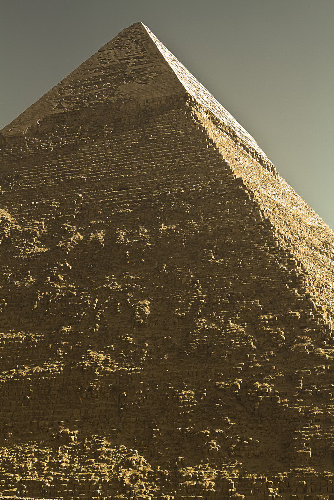 kvsper:  Pyramid of Khafre By tioguerra
