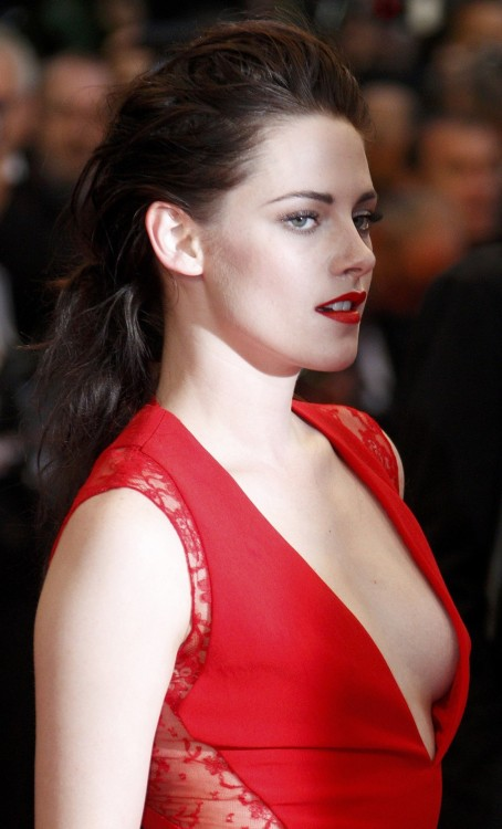 pussylequeer:  Kristen Stewart at the Cosmopolis premiere at the Cannes Film Festival, May 24th