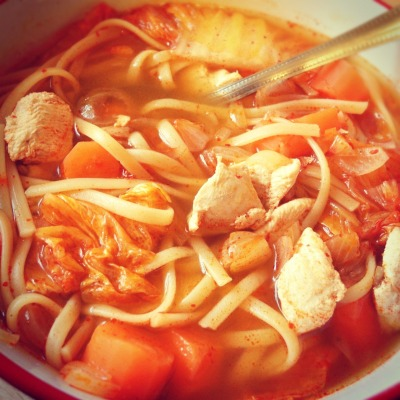 Spicy Chicken & Linguine Soup 1. Boil water with a packet of instant hot pot mix for the spicy soup base. 2. Cook linguine and add to the soup pot. 3. Stir in some chopped shallots, cooked chicken breast cubes, Chinese leaf cabbage and an egg. (The cabbage in the spicy soup base ends up tasting like kimchi!)  Submitted by Yuensin