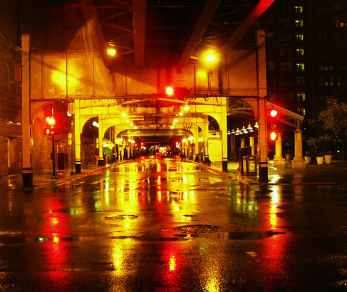 Rainy street scene at Chicago  by Ramon Boersbroek on Flickr.
