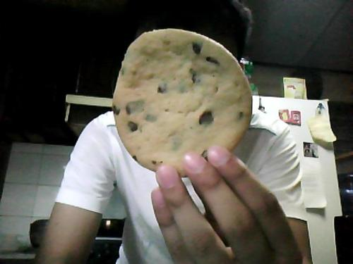 Chocolate Chip Cookies. Again. I could seriously eat 5 of these today. Its chewy, crispy at the edges, and perfectly sweet. The perfect cookie for me!