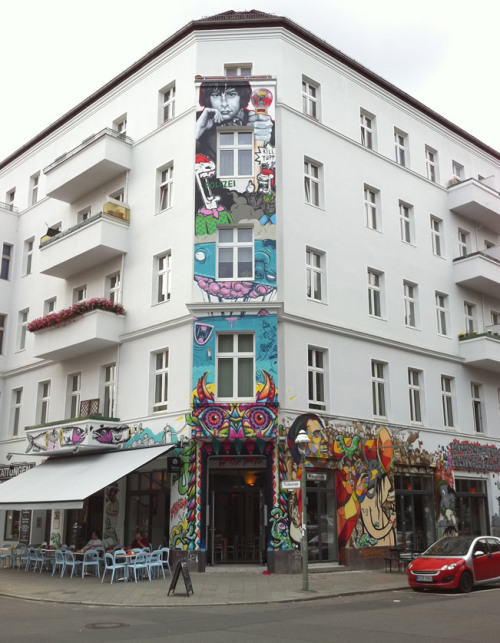 ca-thy:  hiparkercy:  Berlin, Germany.  come paint my home