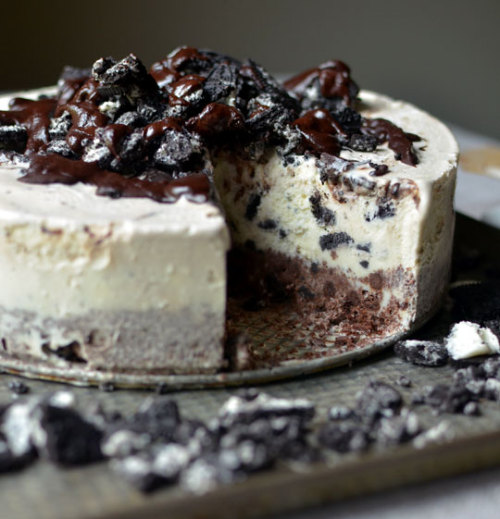 Frozen Chocolate Oreo Ice Cream Cake(Recipe)