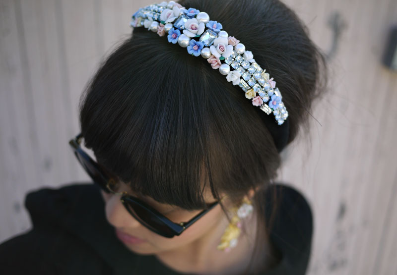 Dolce & Gabbana Tiara | Honestly WTF I've always wanted to go to a ball. And the reason for that being that I've always wanted to get dressed up, have my hair and makeup done… and wear a tiara! Now I doubt that I'm ever going to have an occasion to do this (though it is on my bucket list so I'm never giving up hope!) but I can still make this 'tiara' inspired by Dolce & Gabbana. It's an amazing combination of ceramic flowers, pearls and rhinestones, perfect for all princesses of all ages!
