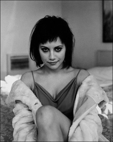 fallenscars:  jalousie:  Brittany Murphy  I knew this would be Nicholes before I saw the source