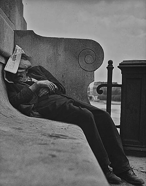 Lisette Model, Sleeping by the Seine, Paris, ca. 1933-1938
