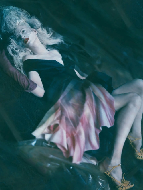 the-moustached-king:  'The Grand Couture', Kristen McMenamy by Paolo Roversi, Vogue Italia September 2010. Christian Dior Fall Winter 2010 Couture