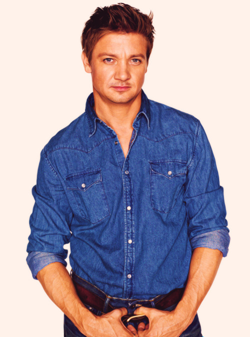 61/100 → Jeremy Renner   oh my gawwwd!!!! so going to the bathroom hahaha